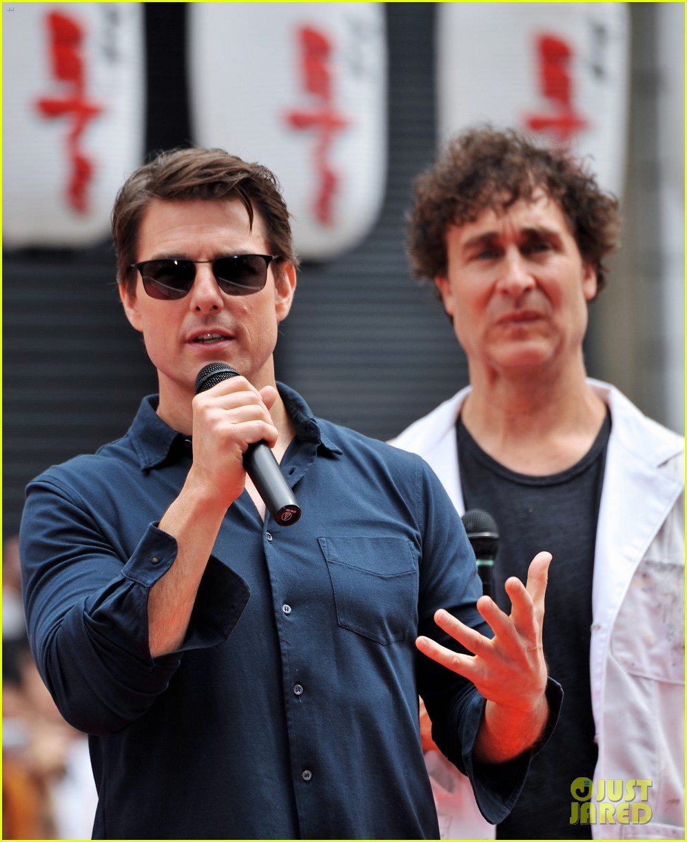 tom cruise is the happiest for edge of tomorrow japan photo call 033143652