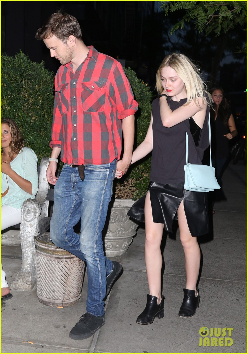 dakota fanning jamie strachan nyc summer soiree 09