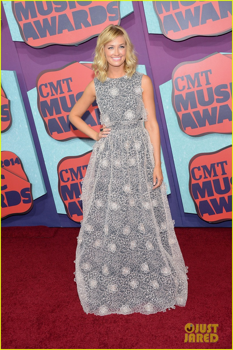 brooklyn decker cmt music awards 2014 08