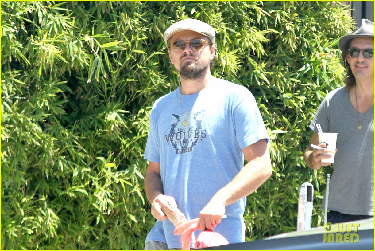 leonardo dicaprio brunches on sunday 153126176