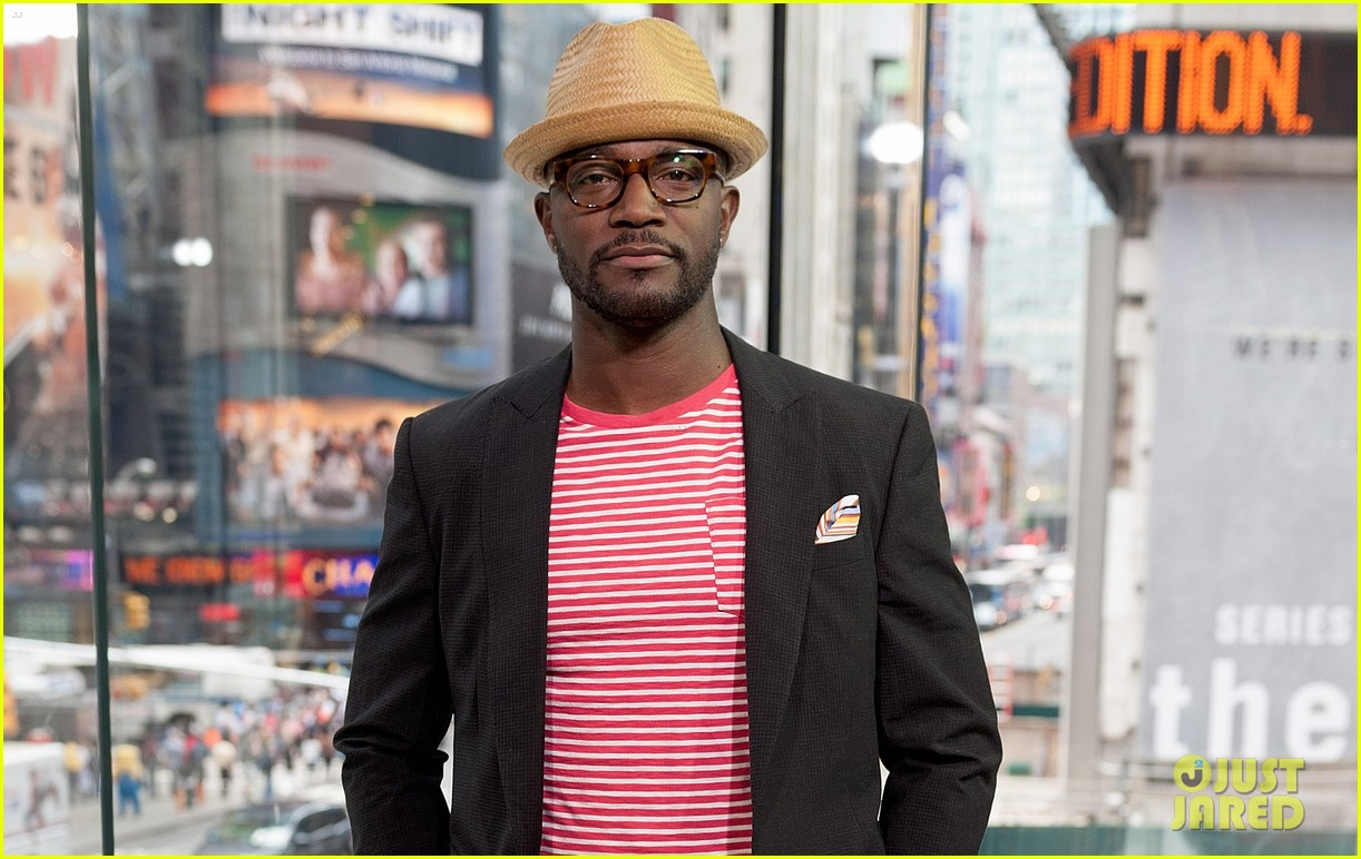 taye diggs opens up about idina menzel split 033132260