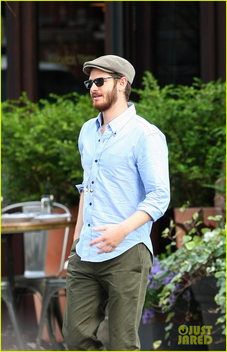 andrew garfield golf cap nyc 04