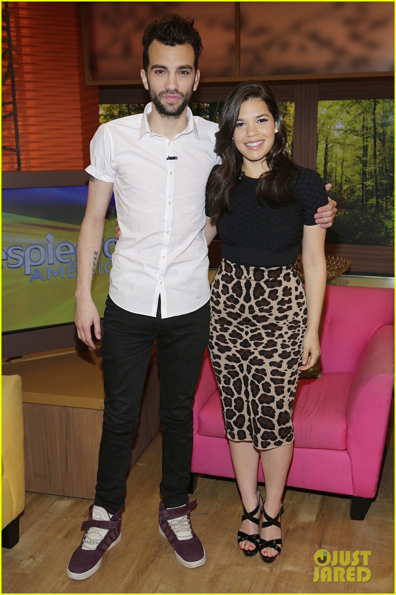 america ferrera jay baruchel caught me crying during how to train your dragon 2 05