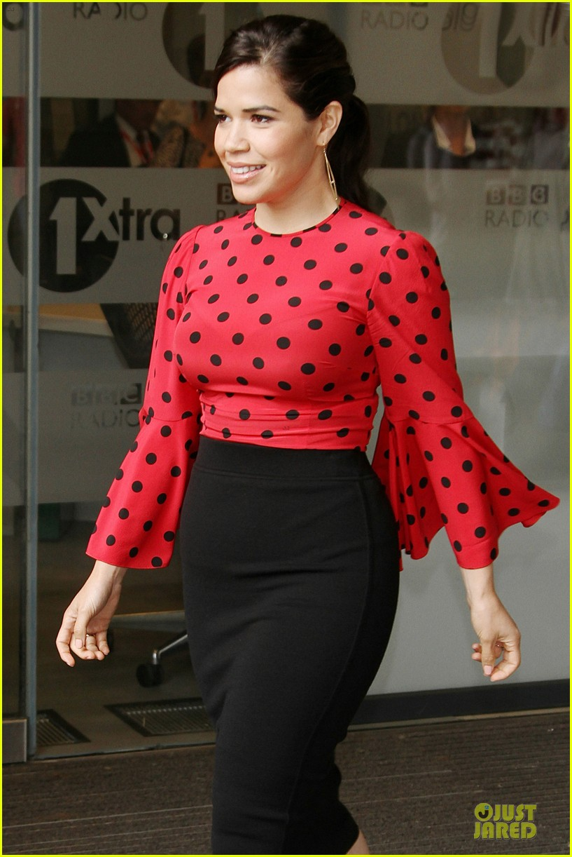 america ferrera red promoting how to train your dragon 2 103142204
