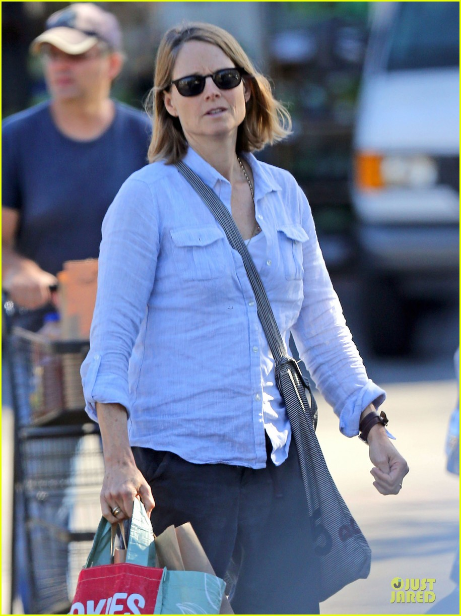 jodie foster talks booking oitnb gig 023138696