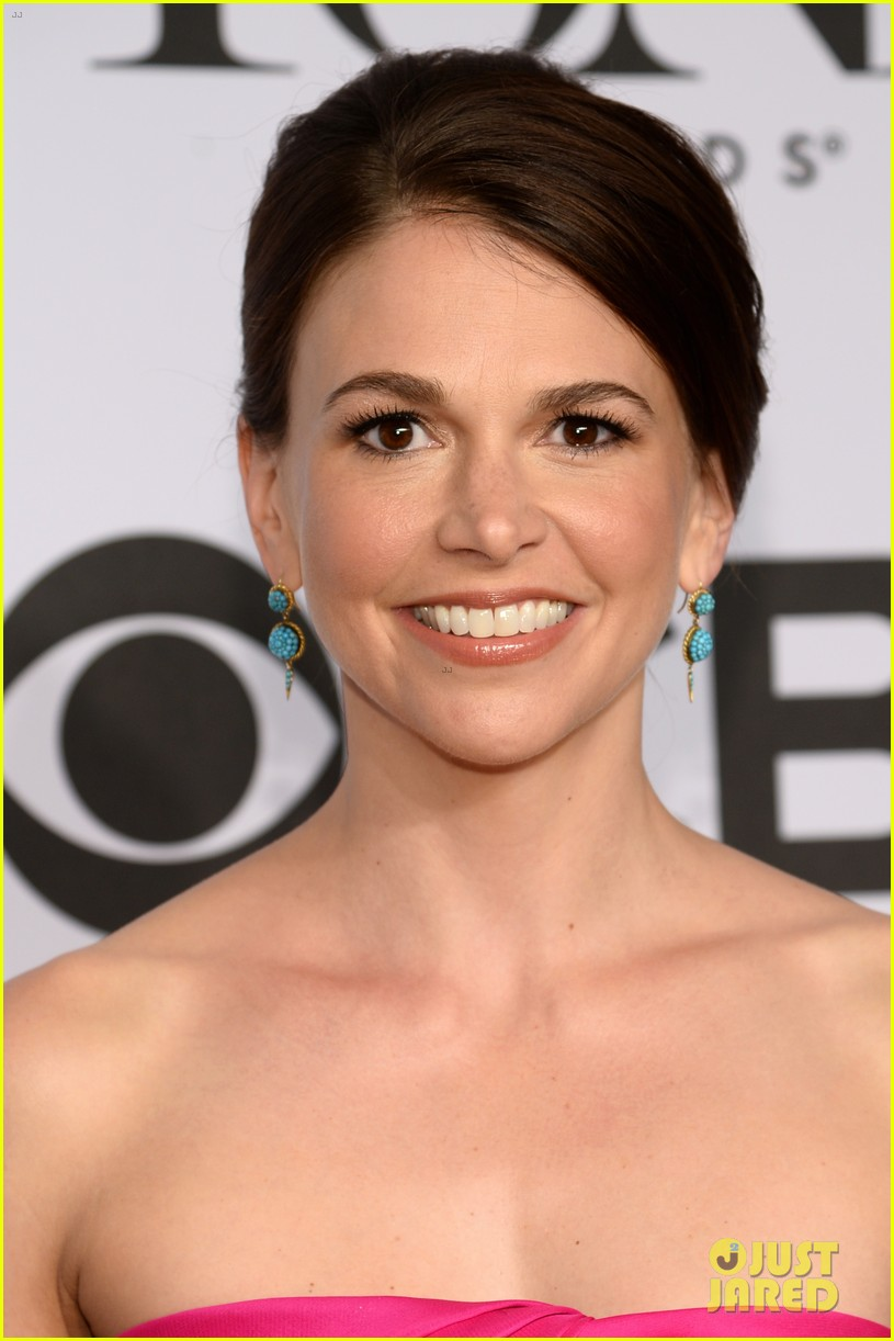 sutton foster kelli ohara tony awards 2014 033131245