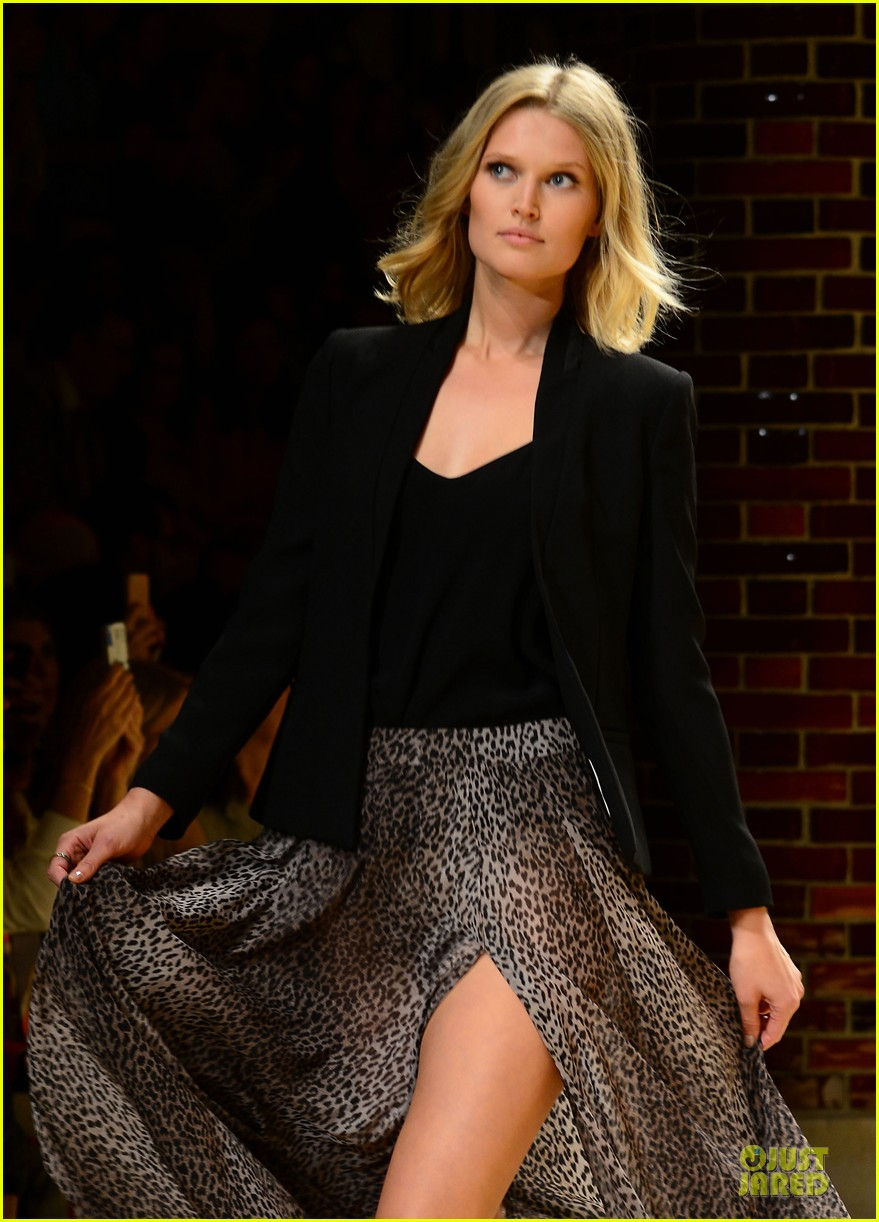 toni garrn legs for days at mango fashion show 133147193