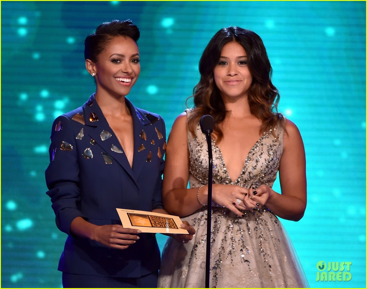 kat graham gina rodriguez critics choice tv awards 2014 22