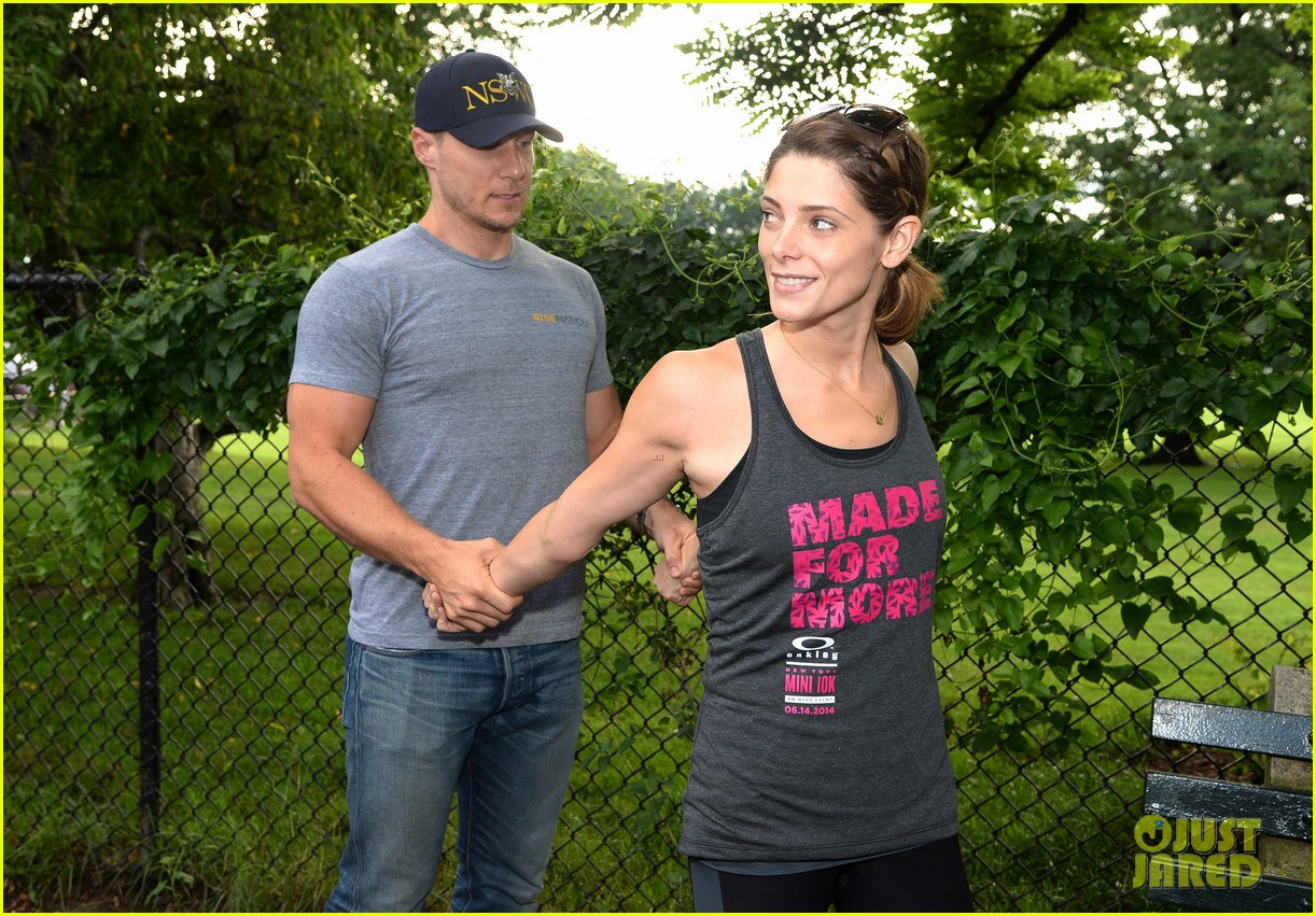 ashley greene oakley new york 10k race 163135443