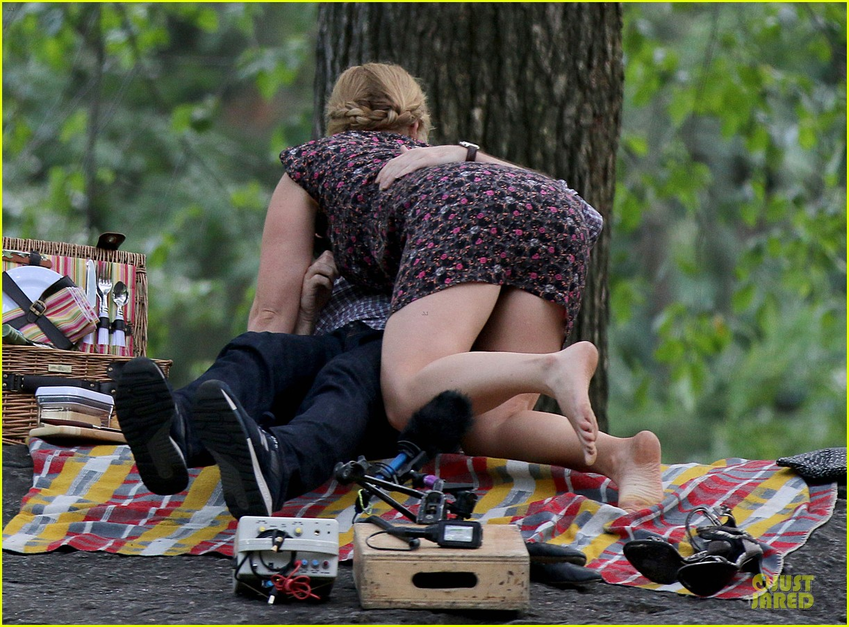 bill hader amy schumer kissing in central park 043145166