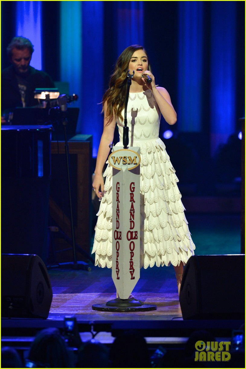 lucy hale makes her grand ole opry debut 19
