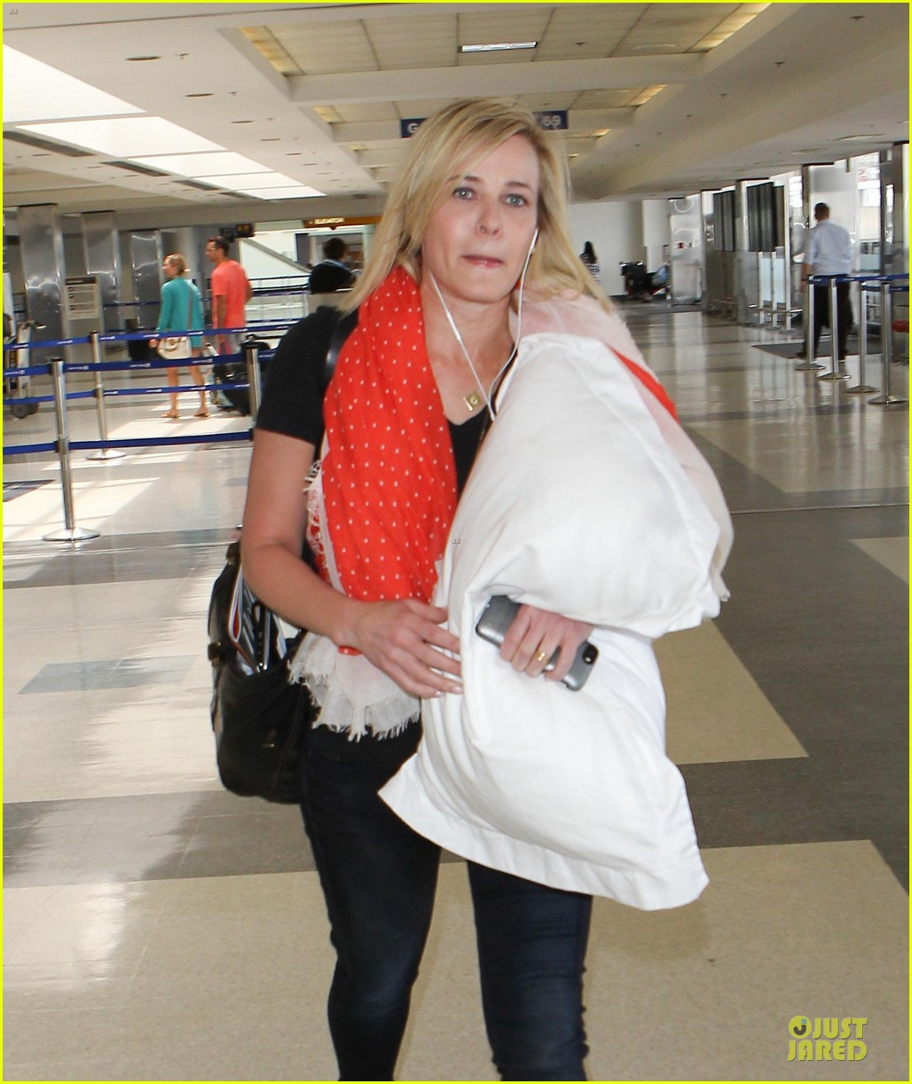 chelsea handler lax departure as comfy as possible 09