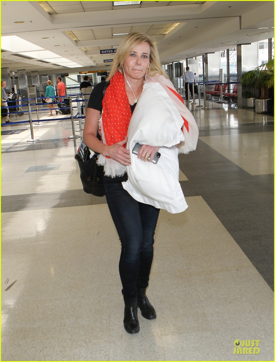 chelsea handler lax departure as comfy as possible 10