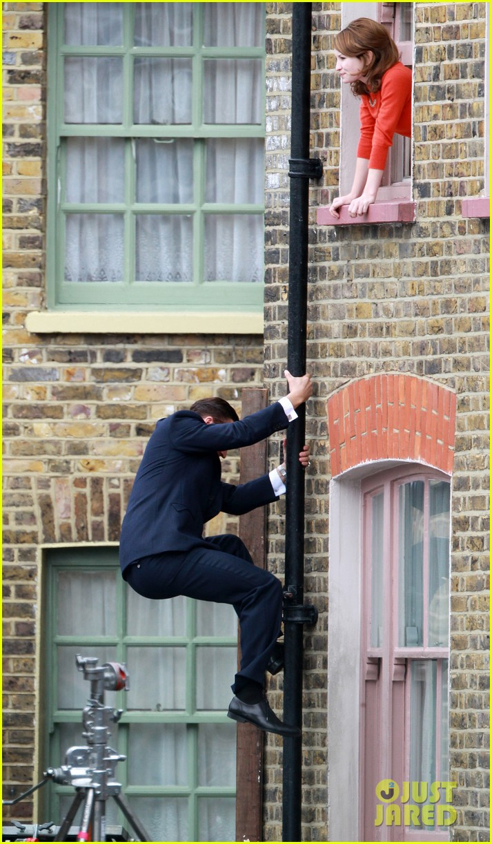 tom hardy shimmies up a drainpipe to woo emily browning 06