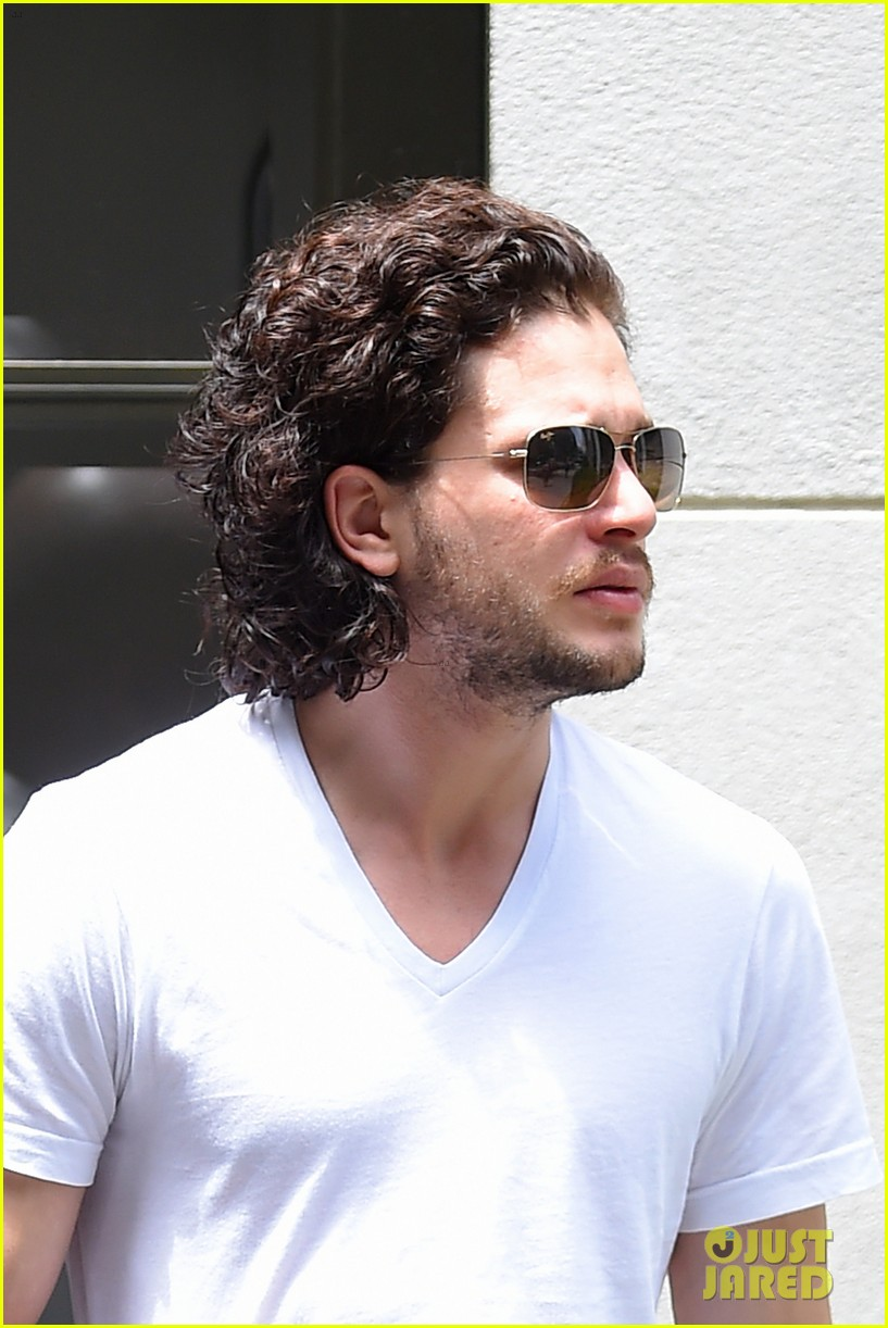 kit harington dishes on game of thrones finale 01