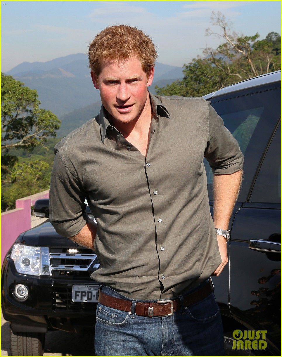 prince harry becomes emotional says death of his mother nothing compared to orphans suffering 023143818