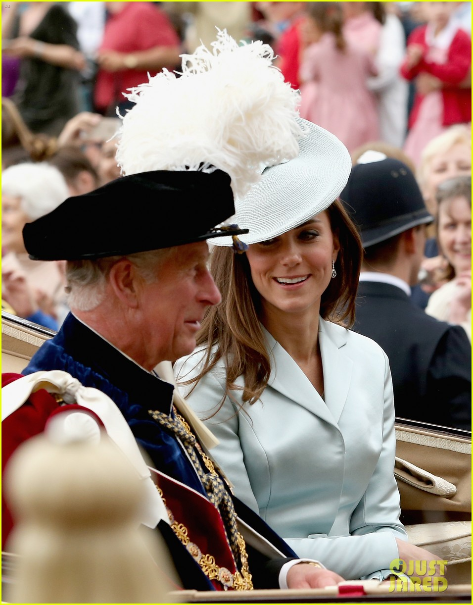 prince harry looks top notch top hat 063137204
