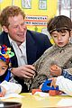 prince harry interaction with toddler is beautiful 09