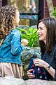 anne hathaway dons long haired wig on the intern 09