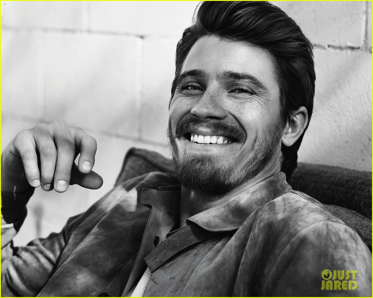 garrett hedlund man of the world 073126687