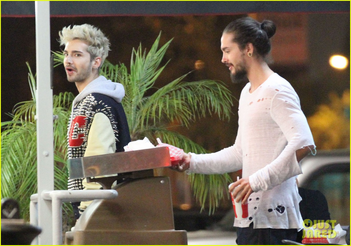 tokio hotel tom bill kaulitz grab astro burger together 16