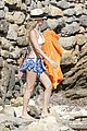 kate hudson shows off amazing abs in ibiza 04