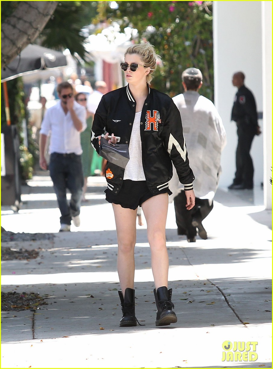 ireland baldwin cup of noodles bagels diet 16