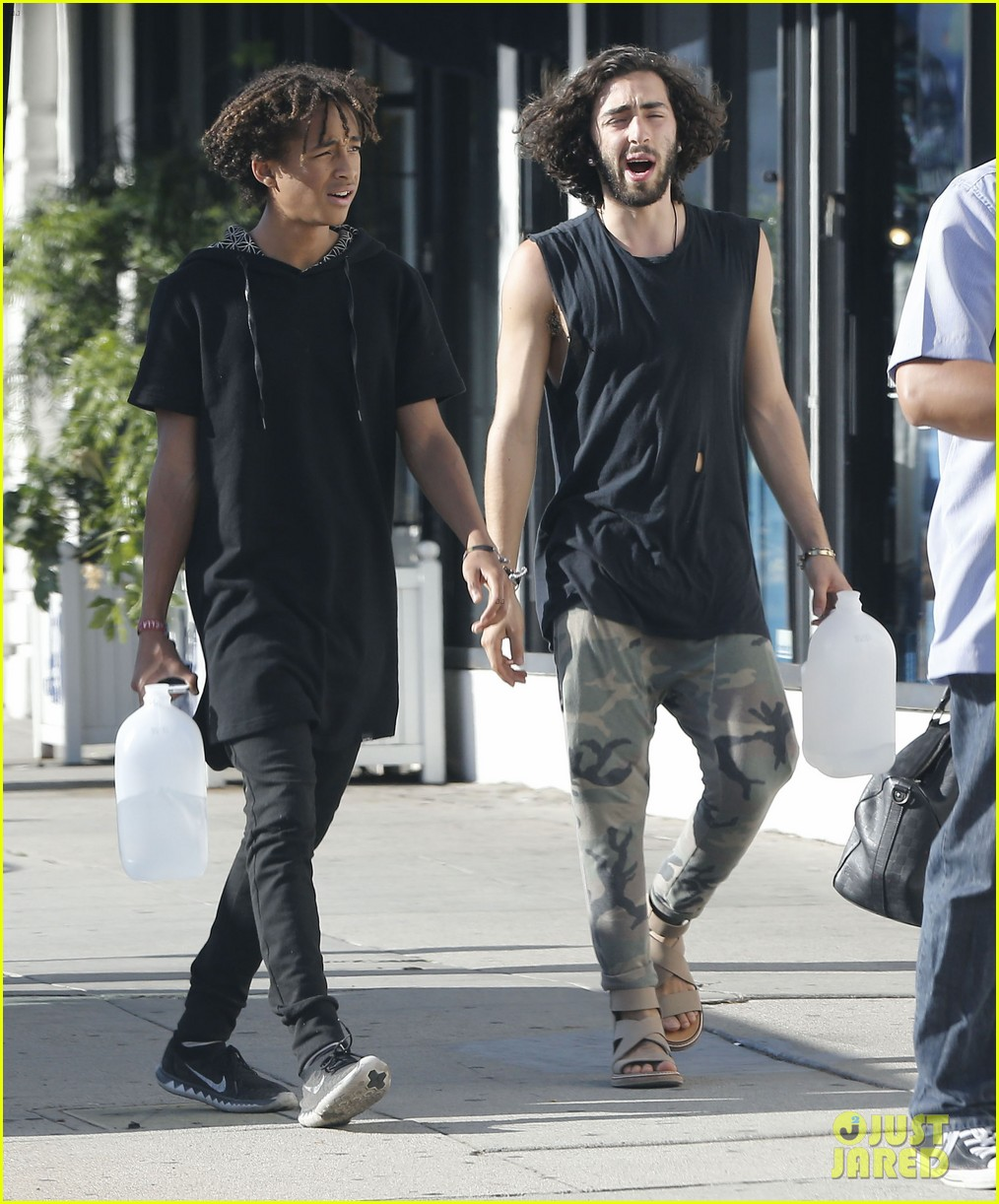 jaden smith gallon water shopping friends 13