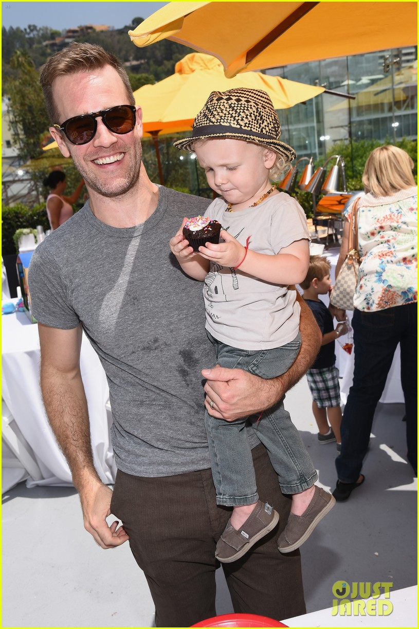 james van der beek is one hunky dad at fisher price toy launch 01