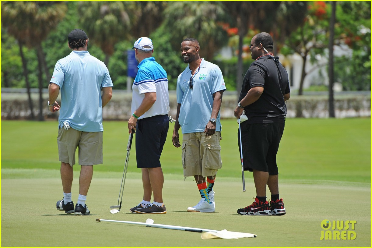 jamie fox dwyane wade celebrity golf tournament miami 073141122