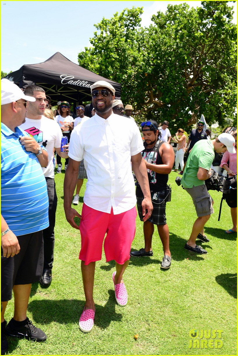 jamie fox dwyane wade celebrity golf tournament miami 133141128