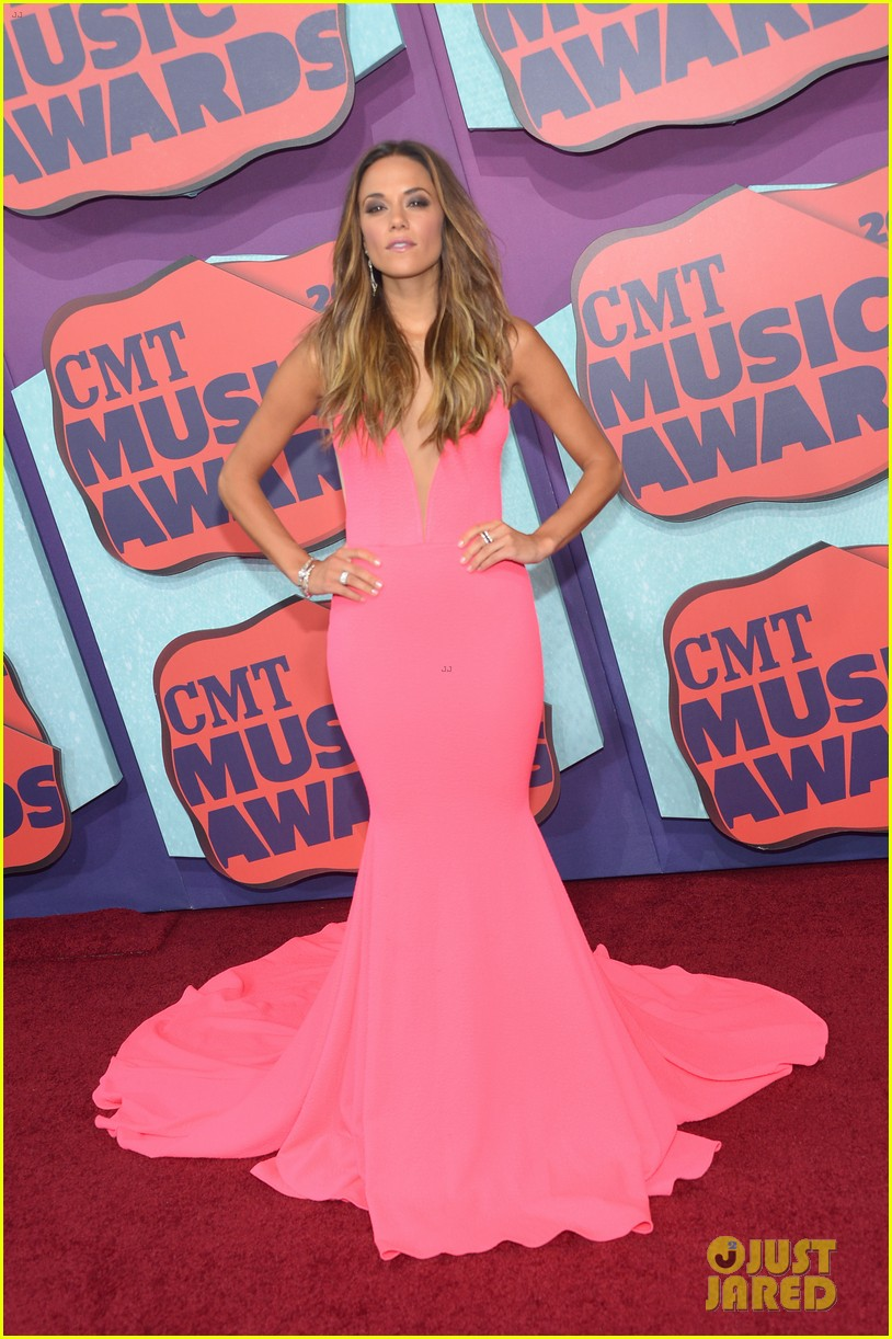jana kramer cmt music awards lindsey stirling 013128288