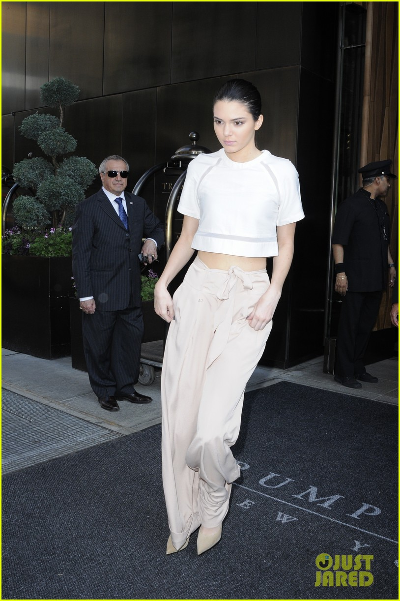 kendall kylie jenner hotel arrival exit nyc 03