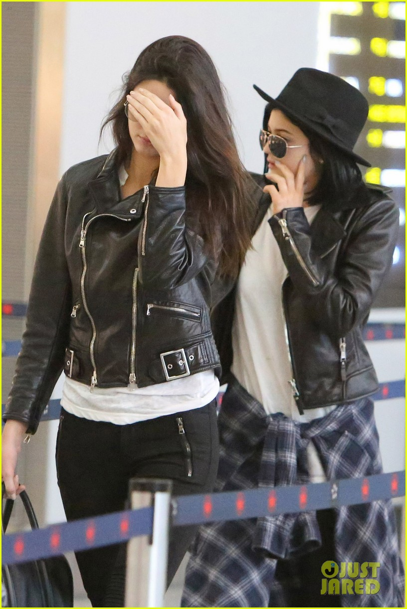 kendall kylie jenner pearson airport 033136637