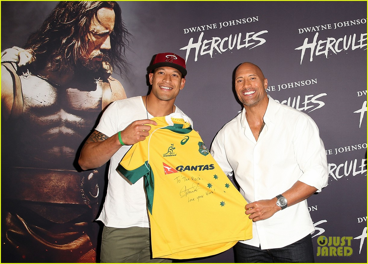 dwyane johnson presented with wallabies jersey at australian hercules screening 09