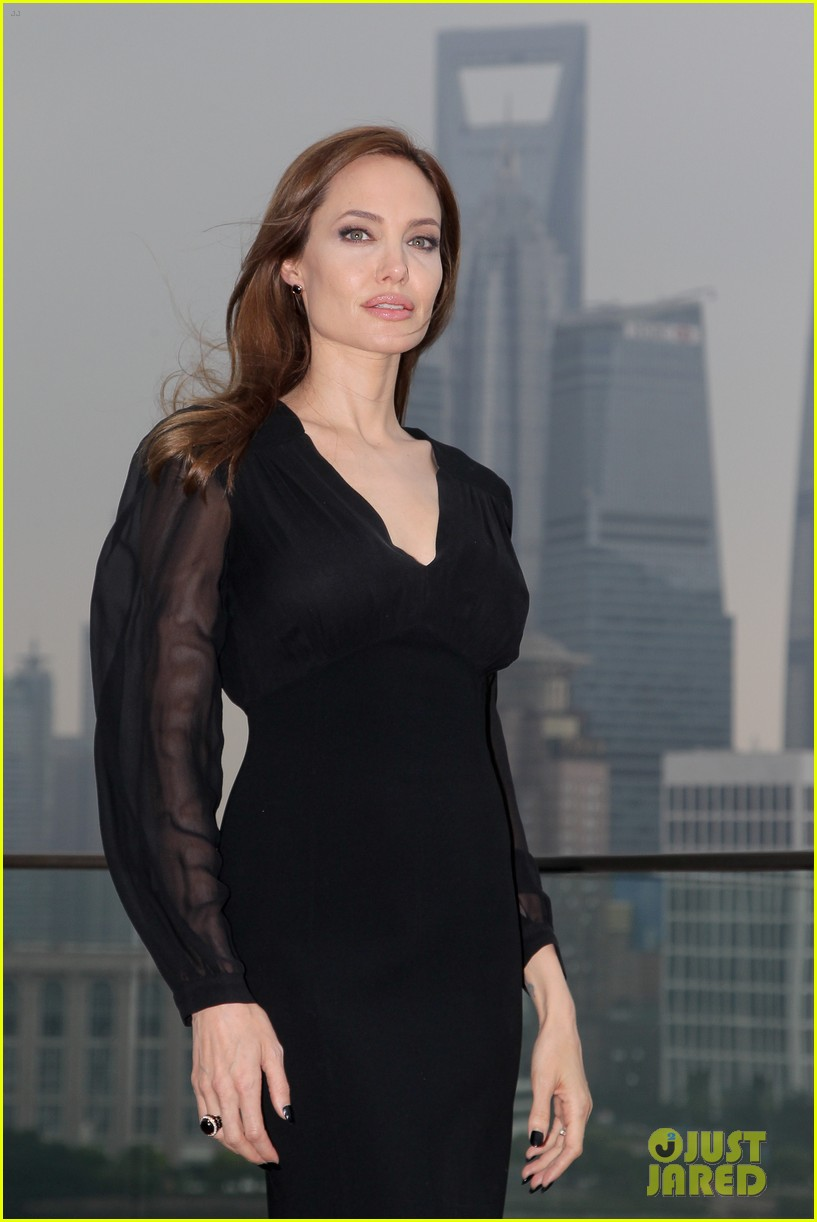 angelina jolie brings maleficent to china 013127240