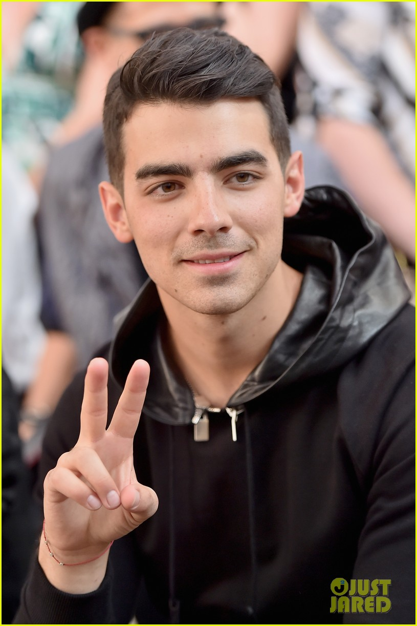 joe jonas milan fashion week 083140682