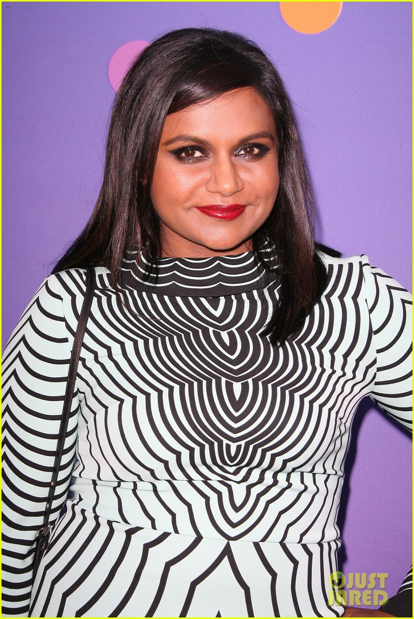 mindy kaling shows some leg at foxs girls night out 11
