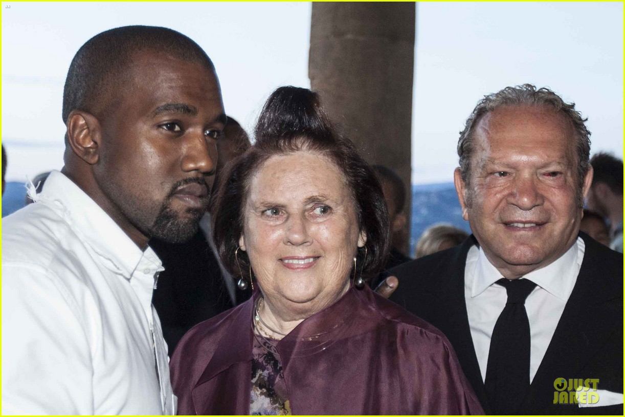 kanye west annie leibovitz release joint statement on wedding photos 153139178