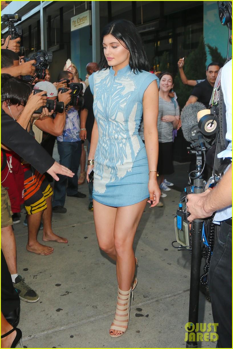 khloe kardashian celebrates 30th birthday 07