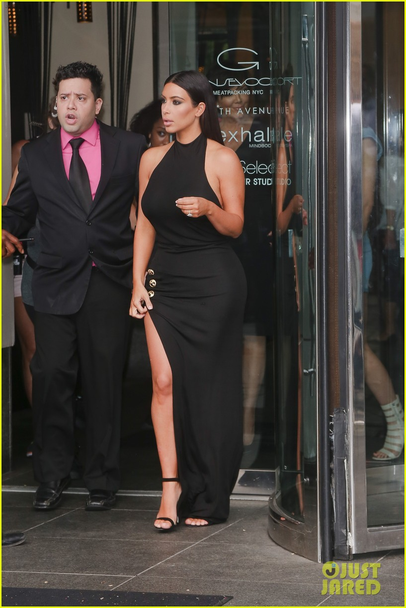 khloe kardashian celebrates 30th birthday 21