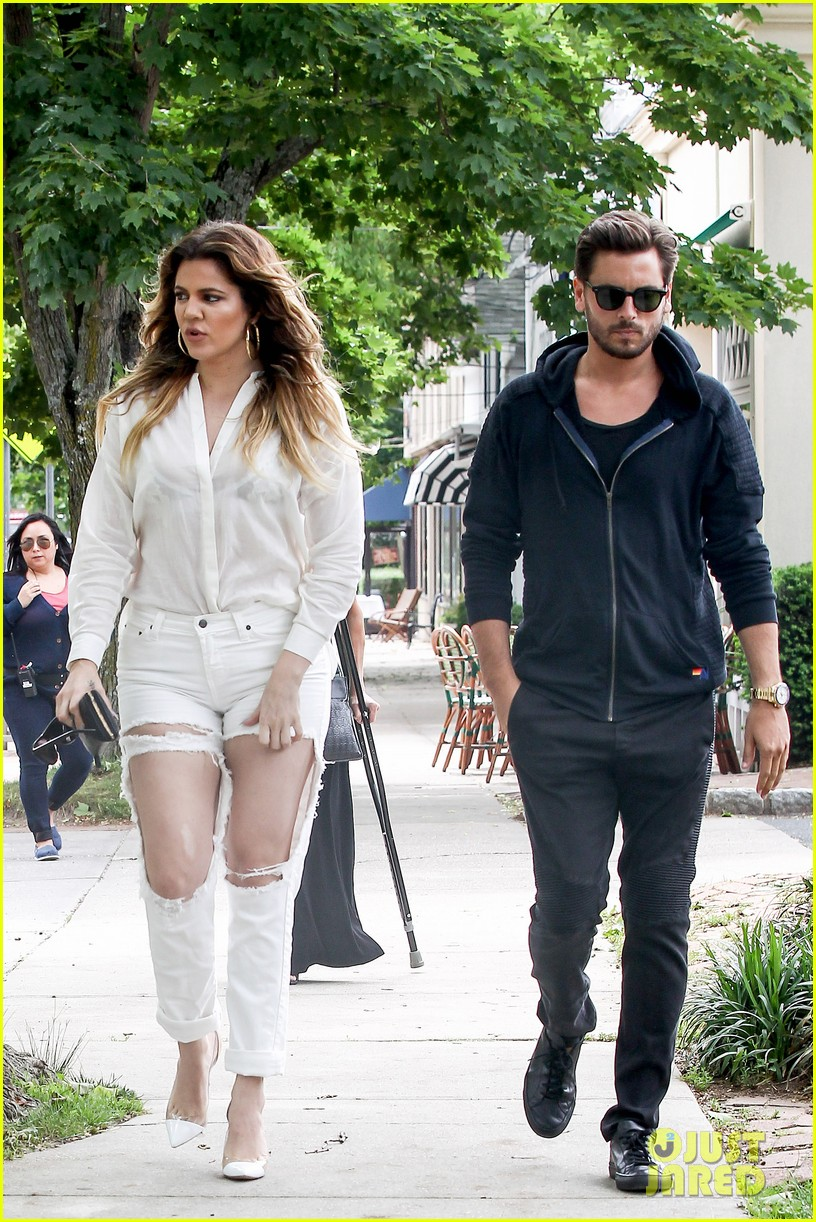 khloe kardashian scott disick continue to bond without kourtney 12