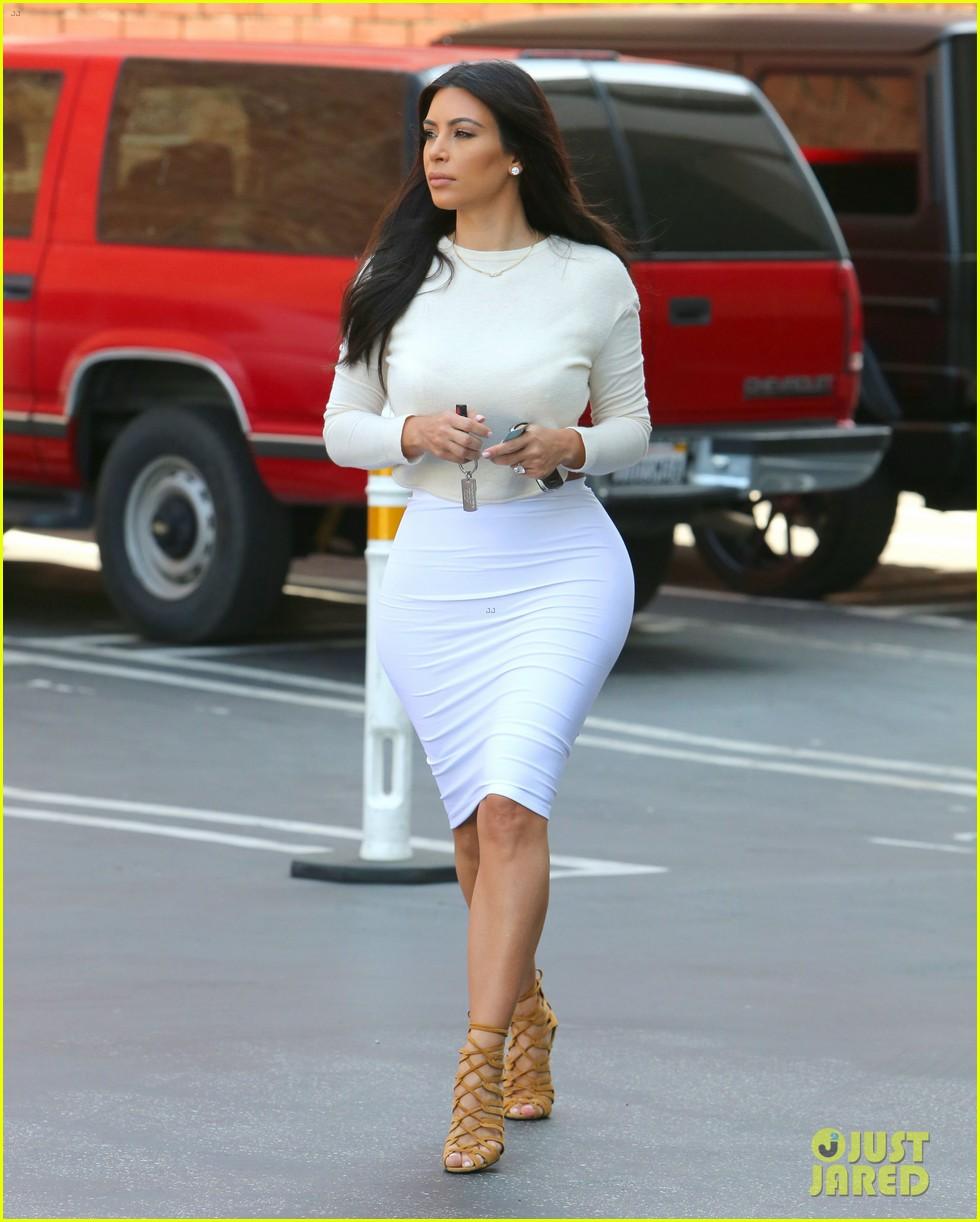 kim kardashian wants to end boycott of beverly hills hotel 10