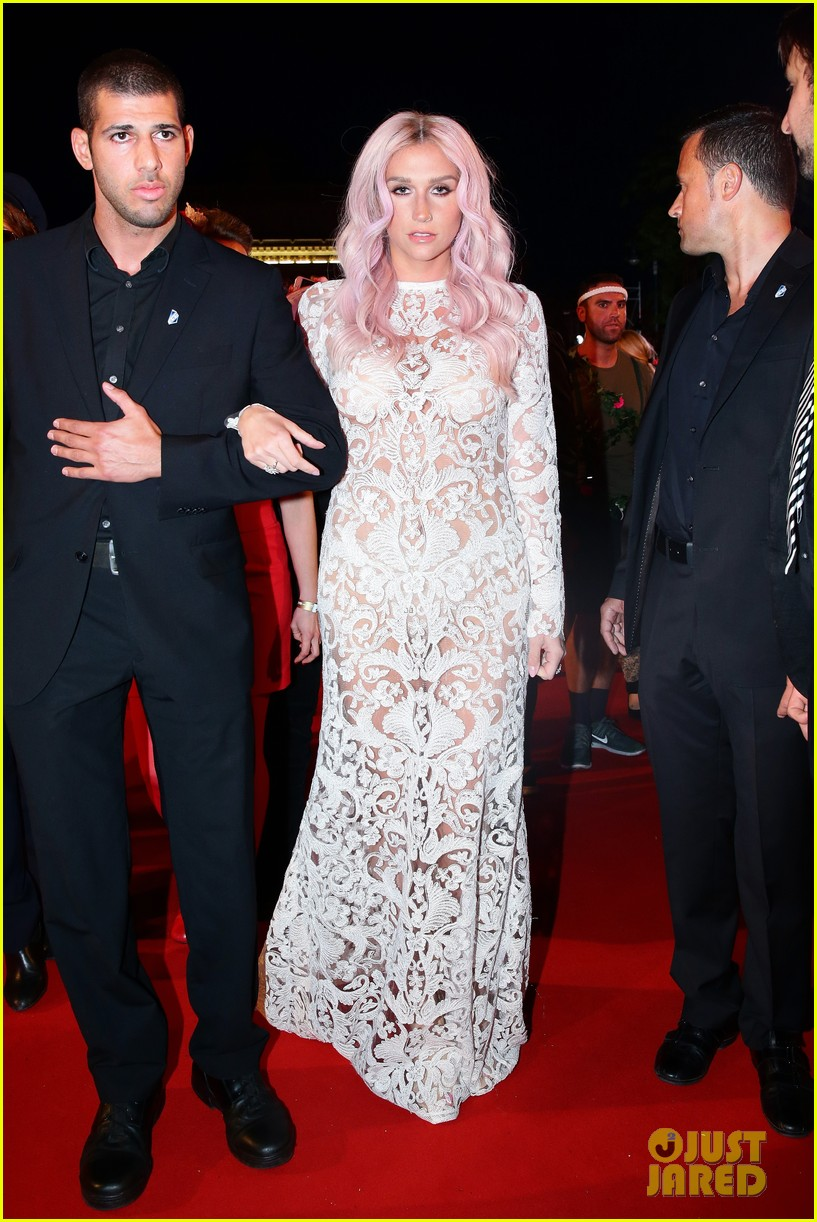 kesha jumps for joy after attending life ball in vienna 04