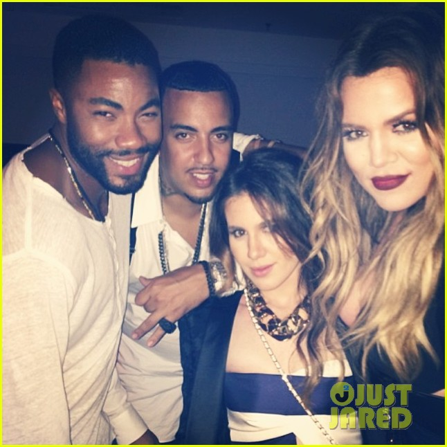 khloe kardashian cheers on jennifer lopez at her concert 01