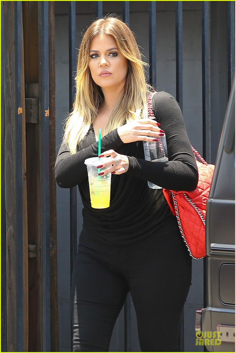 kim khloe kardashian looking for dash store interns 043142625