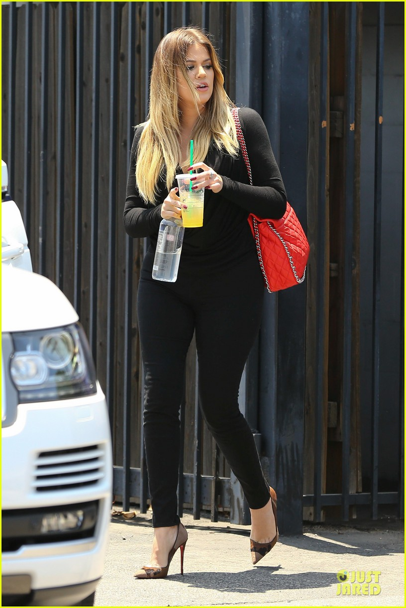 kim khloe kardashian looking for dash store interns 08