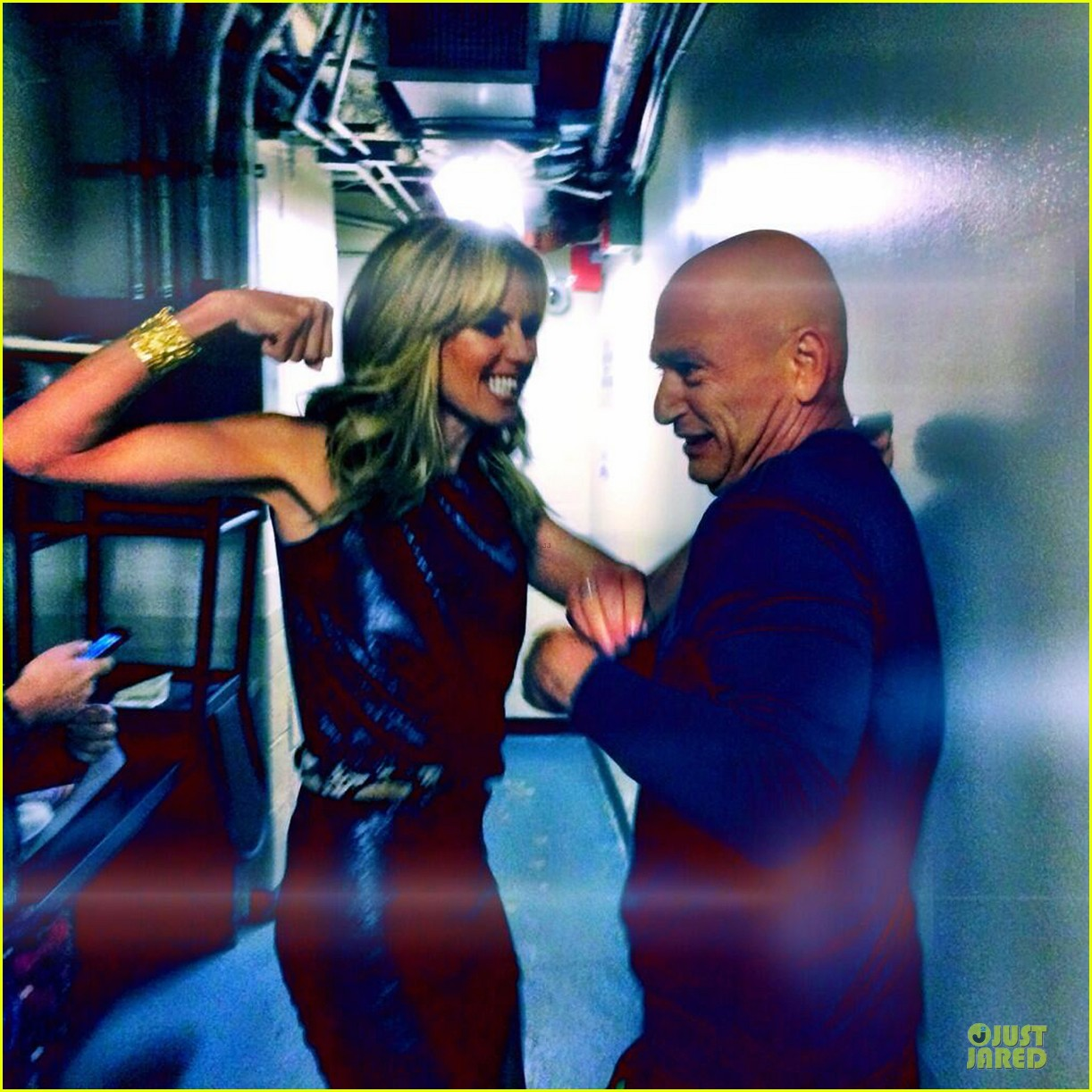 heidi klum ready to punch howie mandel on agt 043137677