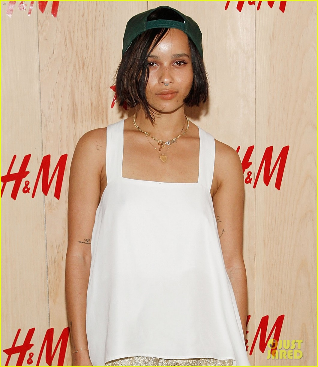 zoe kravitz ive struggled with weight in the past 033139827