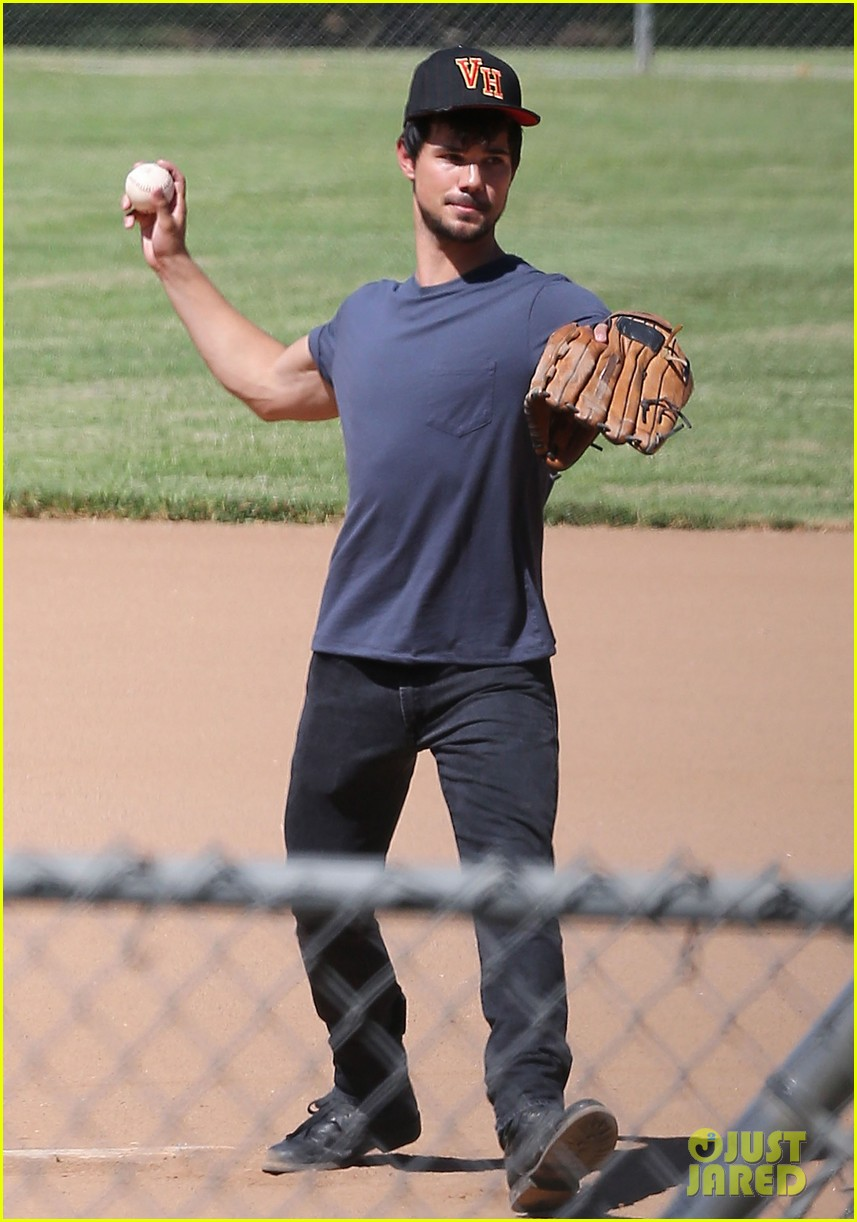 taylor lautner buff arms run the tide baseball pitch 10